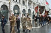 Le 3 comunità ortodosse assieme in processione