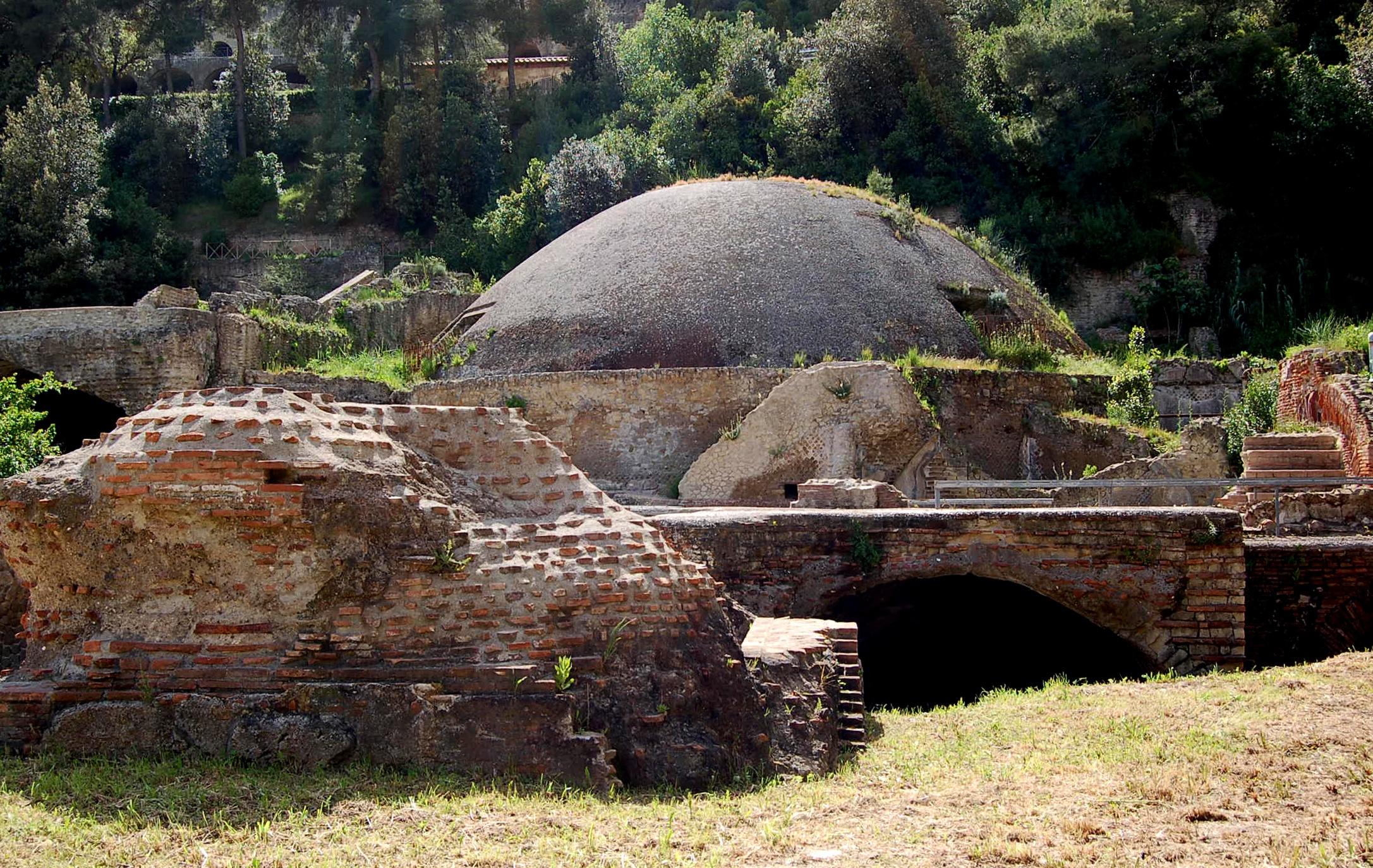 Risultati immagini per Il Parco Archeologico di Baia