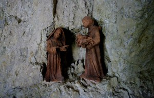 """Santuario di San Francesco """"Greccio mostra presepi da tutto il mondo"""""""
