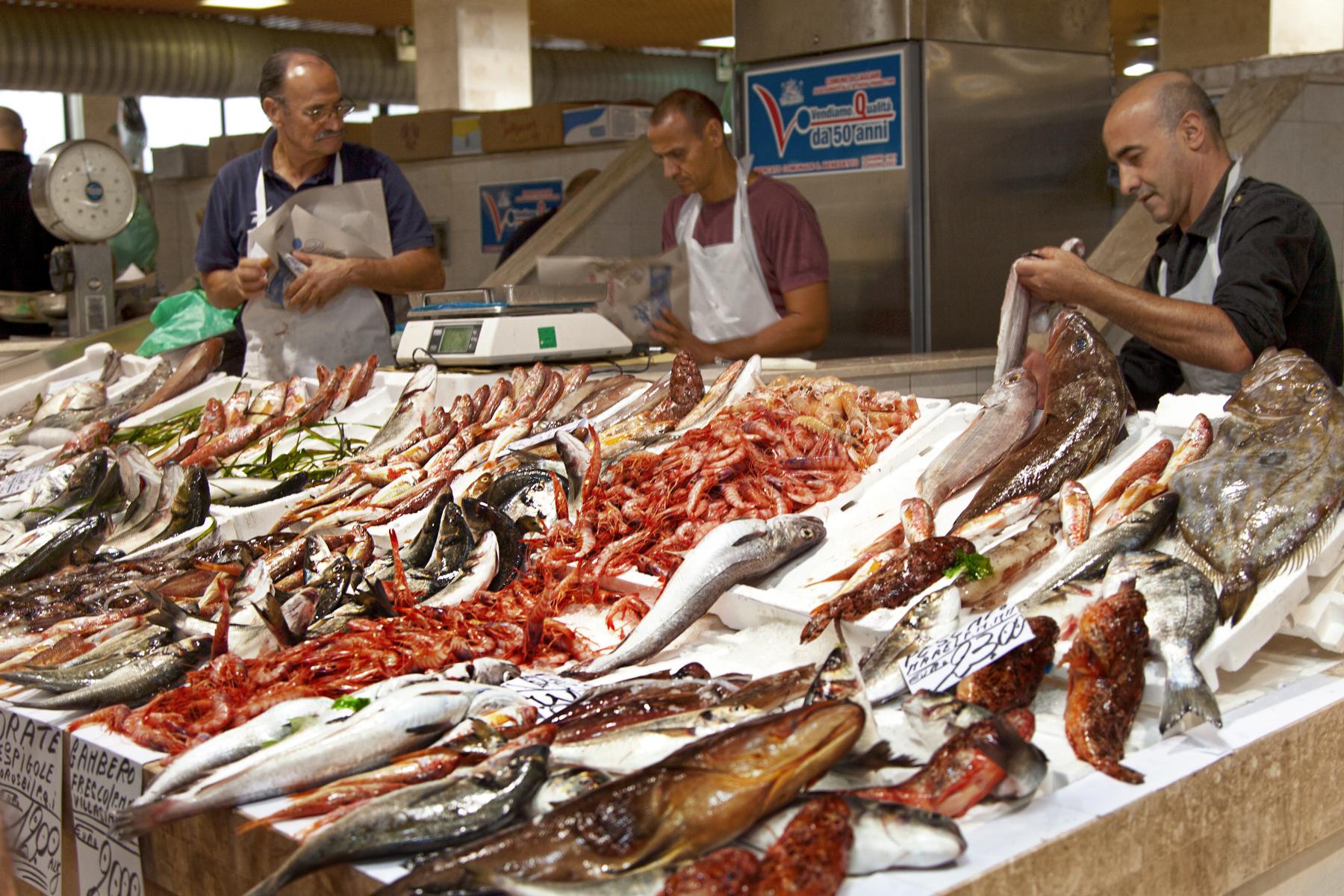 Congelata la tredicesima al mercato del pesce cagliari for Mercati oggi a milano