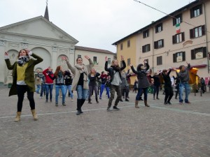 "Flash mob dei giovani ""choosy"""