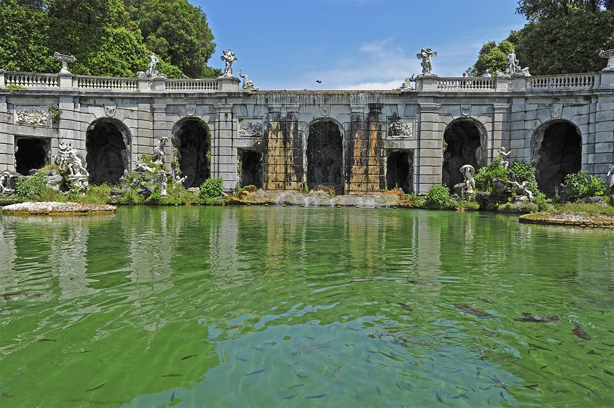 Il parco reale della reggia vanvitelliana caserta notizie - Fontane da giardino usate ...