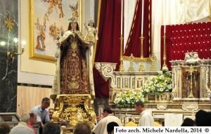Festa e processione della Madonna del Carmine sul carro trionfale