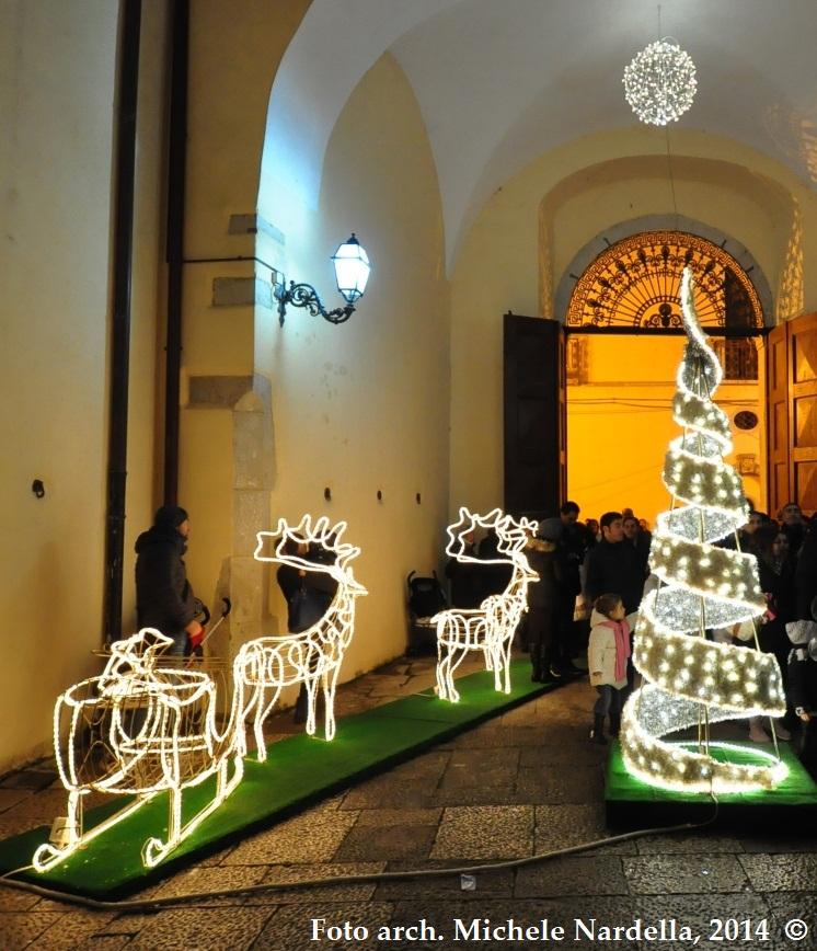 Casa Di Babbo Natale Candela.Falo Dell Immacolata Mercatino Natalizio Casa Di Babbo Natale E