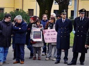 La targa alle vittime omosessuali del nazifascismo