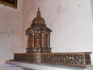 Un letto in una chiesa