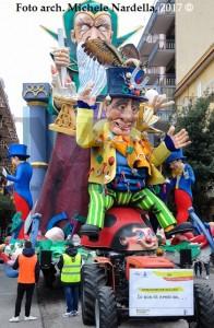 """<i>""""Gran Parata dei Carri e dei Gruppi""""</i> del 64º Carnevale di Manfredonia"""