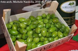 """Omaggio alla <i>""""Bella""""</i>, oliva da tavola cerignolana"""