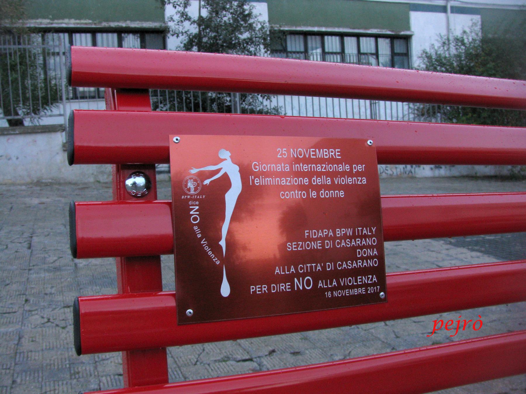 11++ Panchina Rossa Violenza Donne