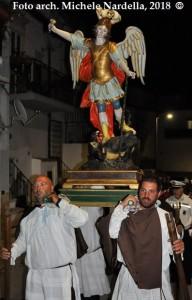 Due feste vichesi in onore di San Michele Arcangelo, una in campagna ed una in paese