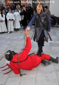 Mascherata tradizionale celenzana con San Michele ed il diavolo tentatore