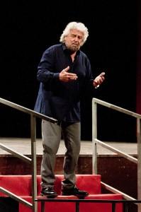 """Beppe Grillo al Cilea col suo spettacolo """"Insomnia…Ora dormo"""""""